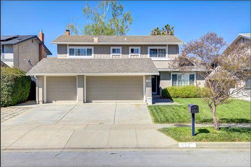 Photo of 190 Castillon Way, SAN JOSE, CA 95119 (MLS # ML81834548)