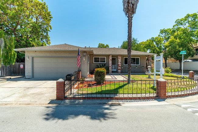 Photo for 815 Fillippelli Drive, GILROY, CA 95020 (MLS # ML81854553)