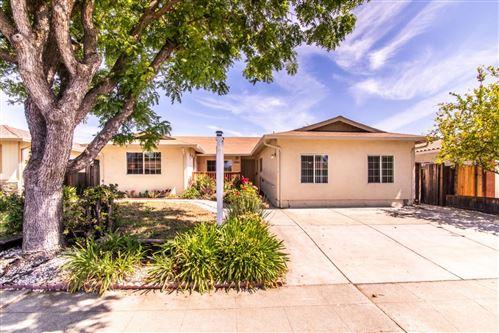 Photo of 1250 Lassen Avenue, MILPITAS, CA 95035 (MLS # ML81840554)