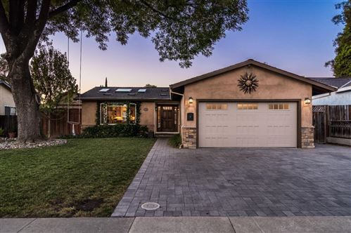 Photo of 321 Avenida Pinos, SAN JOSE, CA 95123 (MLS # ML81799555)