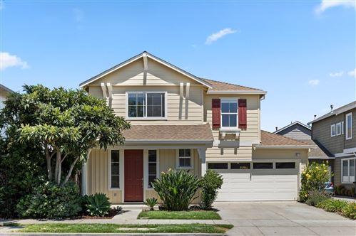 Photo of 921 Oakes Street, EAST PALO ALTO, CA 94303 (MLS # ML81858555)