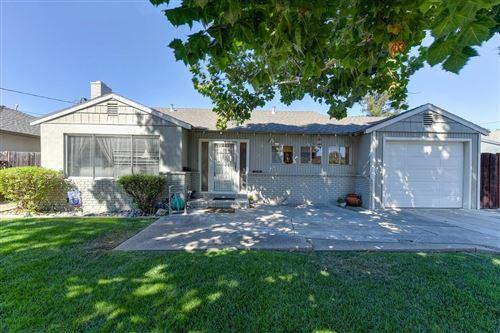 Photo of 1225 Ridgeley DR, CAMPBELL, CA 95008 (MLS # ML81812564)