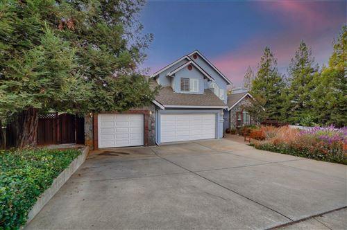 Photo of 955 La Vista CT, MORGAN HILL, CA 95037 (MLS # ML81817566)