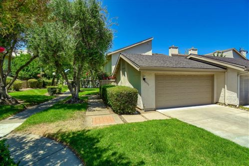 Photo of 20551 Shady Oak LN, CUPERTINO, CA 95014 (MLS # ML81799569)