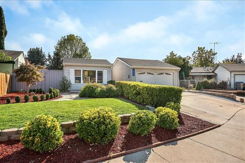 Photo of 1856 Macduee WAY, SAN JOSE, CA 95121 (MLS # ML81819569)