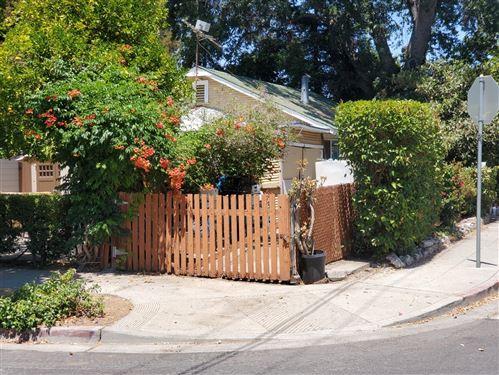 Photo of 186 Fair Oaks Avenue, MOUNTAIN VIEW, CA 94040 (MLS # ML81850569)