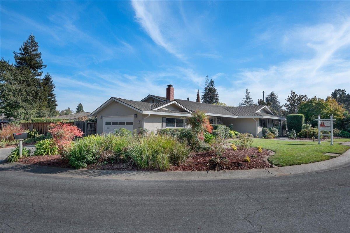 Photo for 41 Cody LN, LOS ALTOS, CA 94022 (MLS # ML81816569)