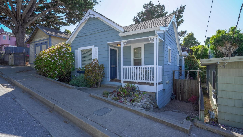 220 8th Street, Pacific Grove, CA 93950 - #: ML81848569