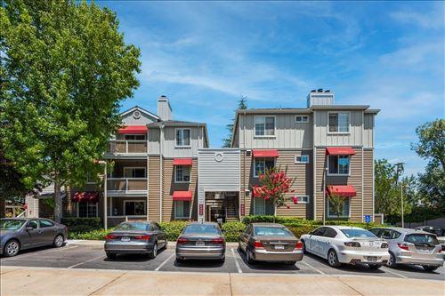 Photo of 250 Santa Fe Terrace #104, SUNNYVALE, CA 94085 (MLS # ML81853570)