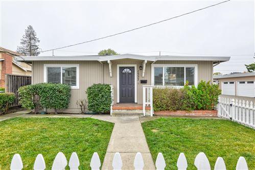 Photo of 1552 Kentfield Avenue, REDWOOD CITY, CA 94061 (MLS # ML81866571)