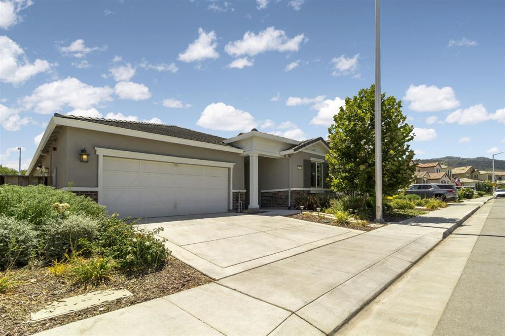 Photo for 1736 Rosemary DR, GILROY, CA 95020 (MLS # ML81765573)