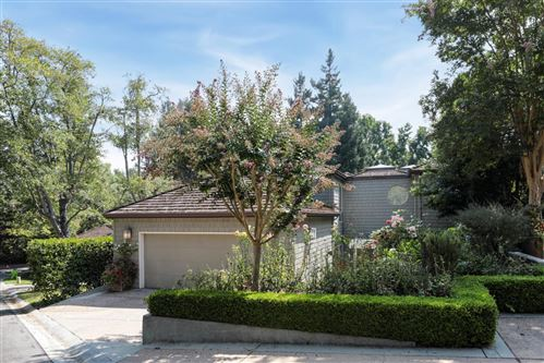 Photo of 621 Manresa LN, LOS ALTOS, CA 94022 (MLS # ML81808578)
