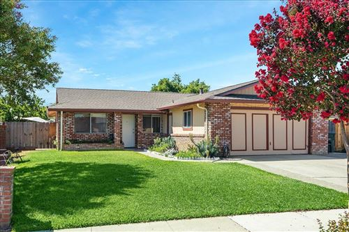 Tiny photo for 430 Lincoln Court, GILROY, CA 95020 (MLS # ML81861579)