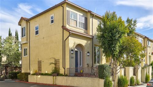 Photo of 879 Neal Commons, SAN JOSE, CA 95128 (MLS # ML81830580)