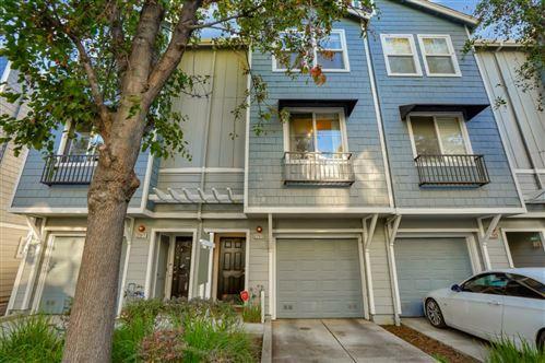 Photo of 22913 Kingsford WAY, HAYWARD, CA 94541 (MLS # ML81819586)