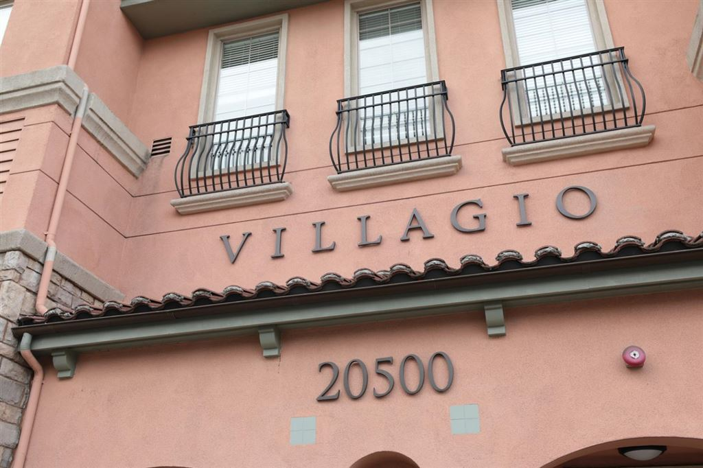 Photo for 20500 Town Center LN 293 #293, CUPERTINO, CA 95014 (MLS # ML81763586)