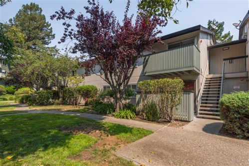 Photo of 415 Piccadilly Place #4, SAN BRUNO, CA 94066 (MLS # ML81860589)