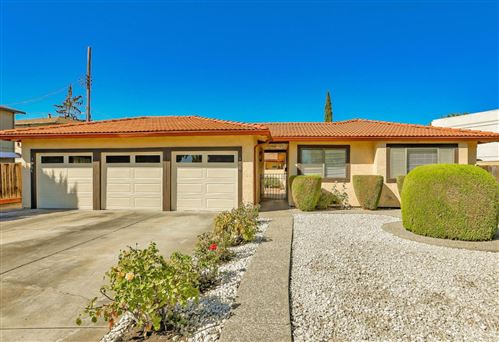 Photo of 950 Phyllis AVE, MOUNTAIN VIEW, CA 94040 (MLS # ML81818591)