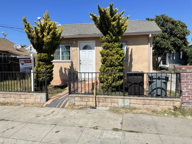705 Jefferson Street, Salinas, CA 93905 - MLS#: ML81861593
