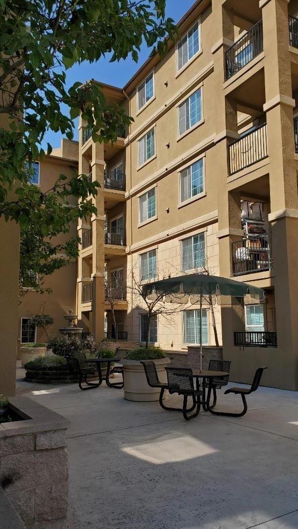 Photo for 88 North Jackson Avenue #417, SAN JOSE, CA 95116 (MLS # ML81862597)