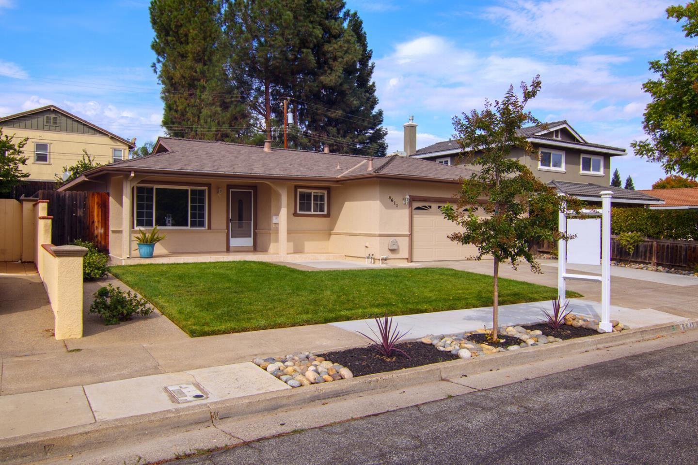 Photo for 8611 Amanda Avenue, GILROY, CA 95020 (MLS # ML81864598)