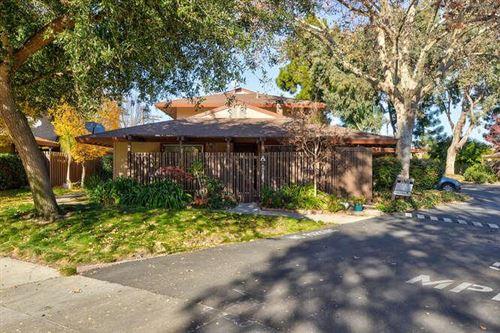 Photo of 210 W Red Oak DR A #A, SUNNYVALE, CA 94086 (MLS # ML81824600)