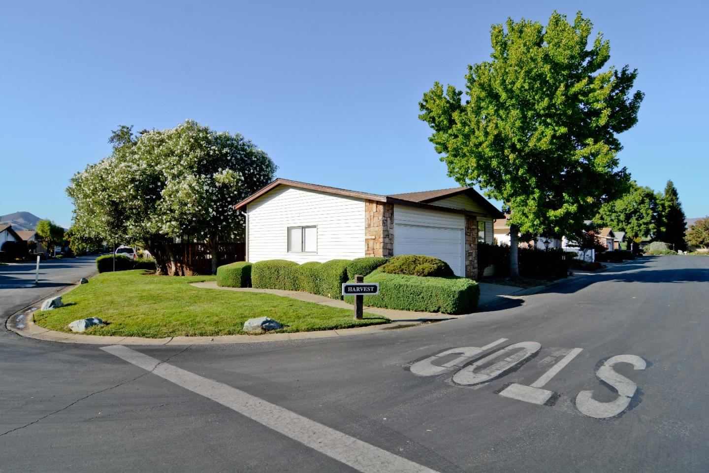 250 Harvest LN 250, Morgan Hill, CA 95037 - #: ML81815602