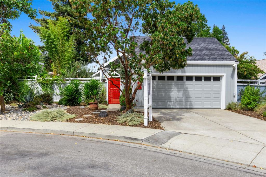 Photo for 105 Promethean WAY, MOUNTAIN VIEW, CA 94043 (MLS # ML81764610)