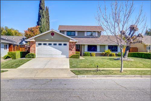 Photo of 3990 Timberline DR, SAN JOSE, CA 95121 (MLS # ML81834611)