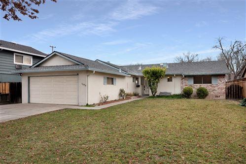 Photo of 3690 Willowpark DR, SAN JOSE, CA 95118 (MLS # ML81826623)