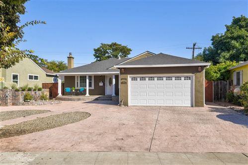Photo of 694 N Baywood AVE, SAN JOSE, CA 95128 (MLS # ML81816624)