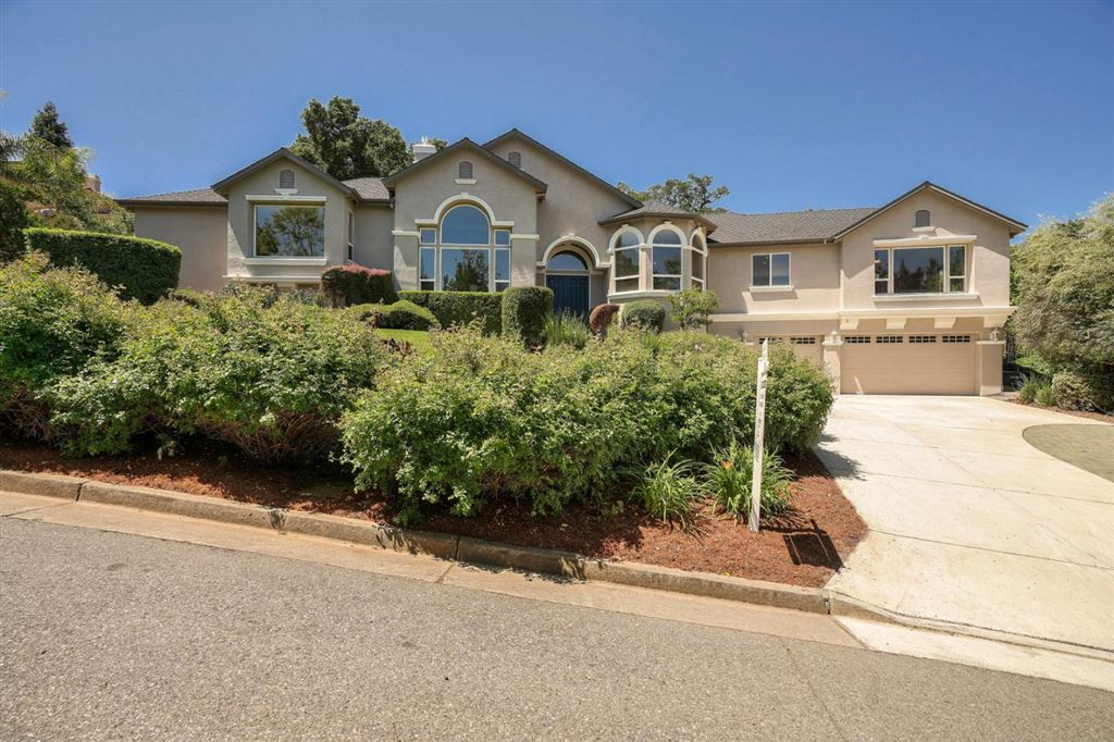 Photo for 8585 Strawberry LN, GILROY, CA 95020 (MLS # ML81750625)