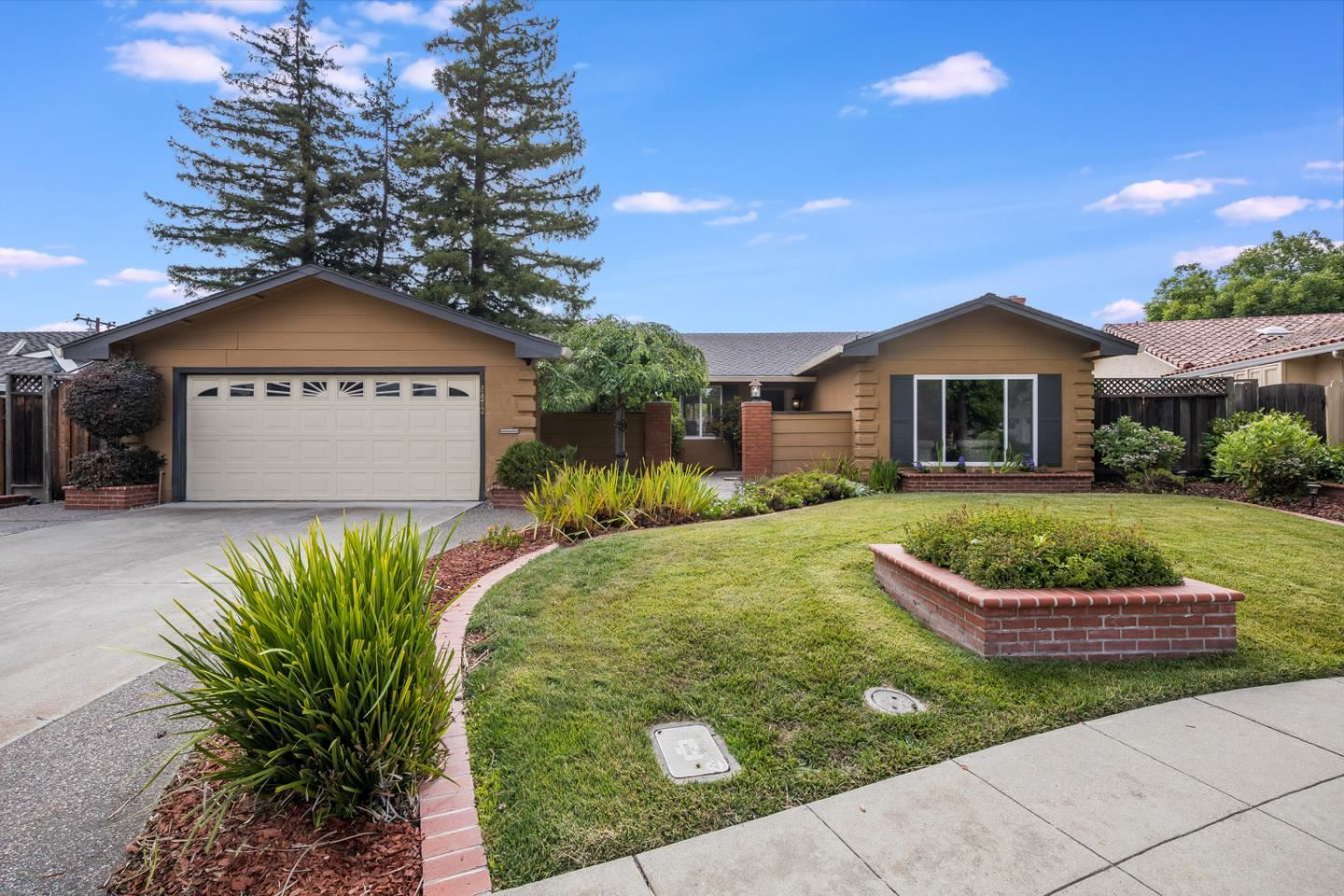 Photo for 2472 Porterfield Court, MOUNTAIN VIEW, CA 94040 (MLS # ML81853629)