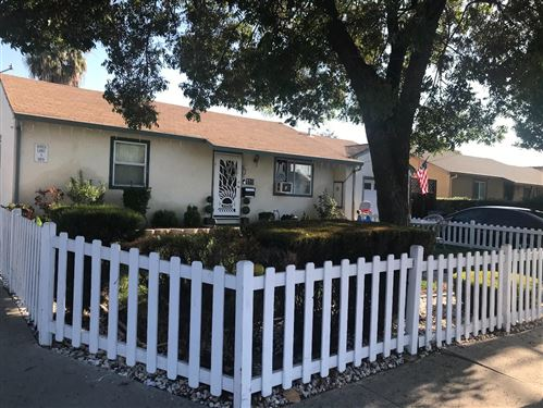 Photo of 410 Lyndale AVE, SAN JOSE, CA 95127 (MLS # ML81819630)