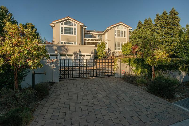 Photo for 48 Southdown CT, HILLSBOROUGH, CA 94010 (MLS # ML81813630)