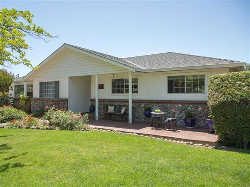Photo of 14775 Columbet AVE, SAN MARTIN, CA 95046 (MLS # ML81799632)