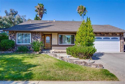 Photo of 4771 Calle De Tosca, SAN JOSE, CA 95118 (MLS # ML81804637)