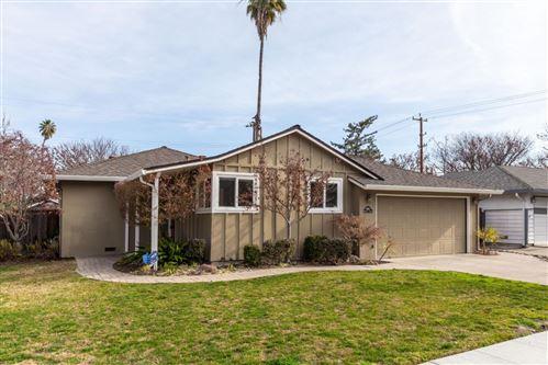 Photo of 4886 Kingridge DR, SAN JOSE, CA 95124 (MLS # ML81825639)