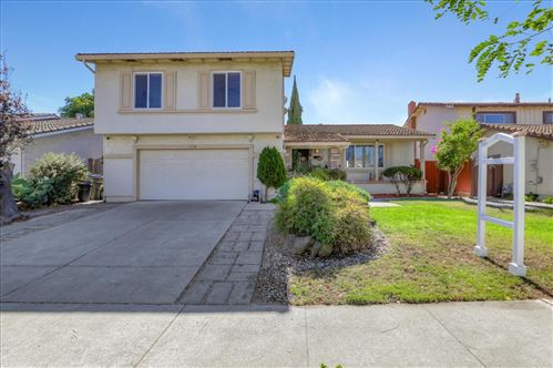 Photo of 1734 Springsong DR, SAN JOSE, CA 95131 (MLS # ML81812640)