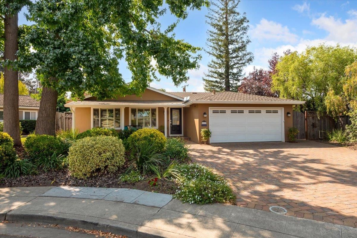Photo for 573 Carla Court, MOUNTAIN VIEW, CA 94040 (MLS # ML81865641)