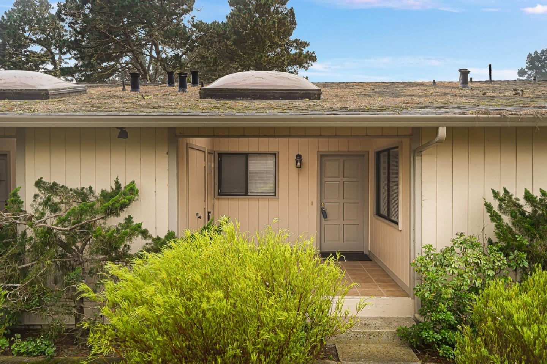 Photo for 250 Forest Ridge Road #27, MONTEREY, CA 93940 (MLS # ML81851645)