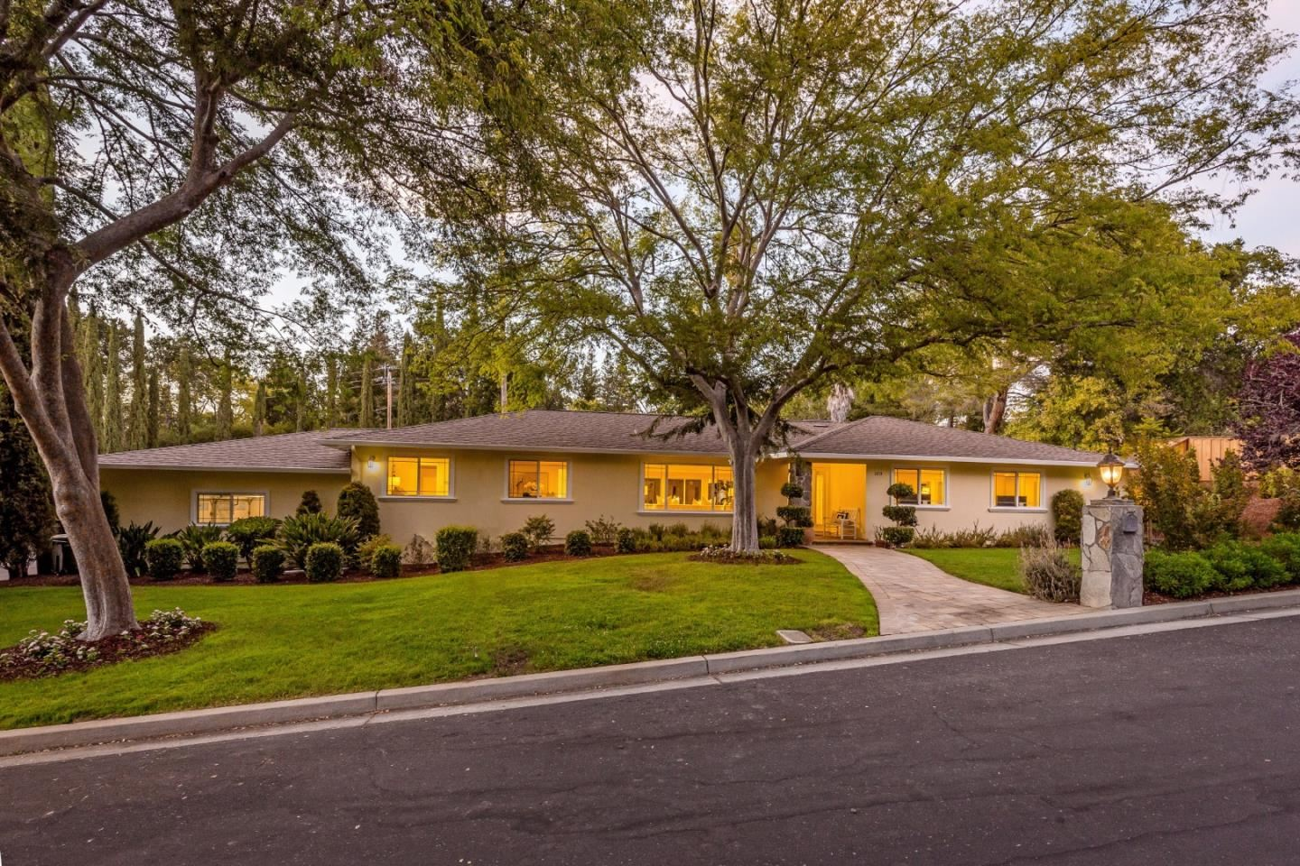 Photo for 100 Louise Court, LOS GATOS, CA 95032 (MLS # ML81854645)
