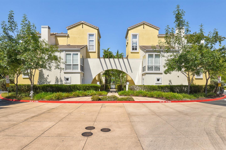 Photo for 168 Montelena Court, MOUNTAIN VIEW, CA 94040 (MLS # ML81860649)