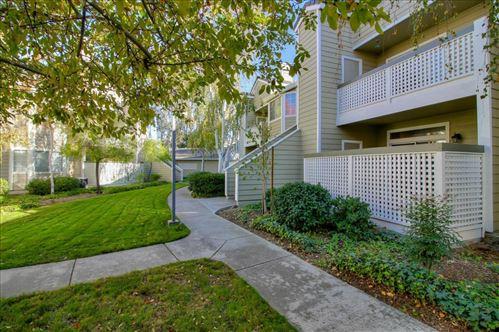 Photo of 5934 Bridgeport Lake WAY, SAN JOSE, CA 95123 (MLS # ML81820652)