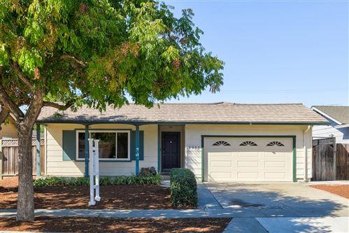 Photo of 2933 Fallwood Lane, SAN JOSE, CA 95132 (MLS # ML81864653)