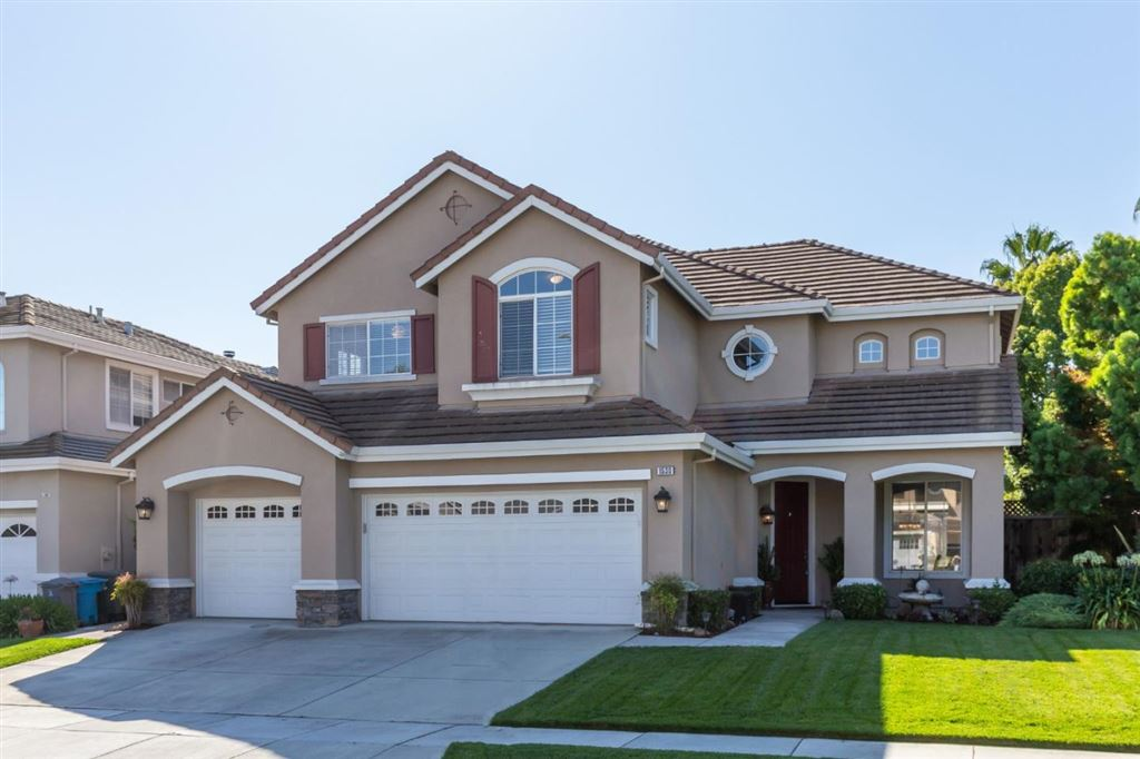 Photo for 1530 Peregrine DR, GILROY, CA 95020 (MLS # ML81768655)