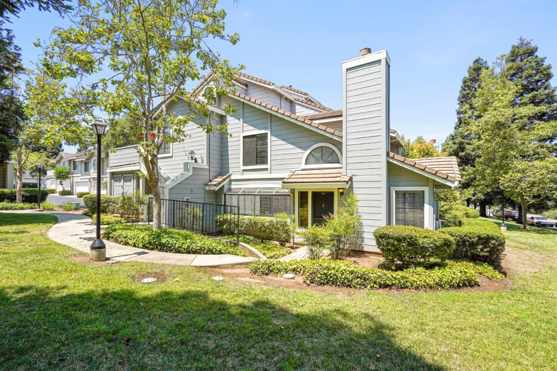 Photo for 2861 Buena Crest Court, SAN JOSE, CA 95121 (MLS # ML81854657)