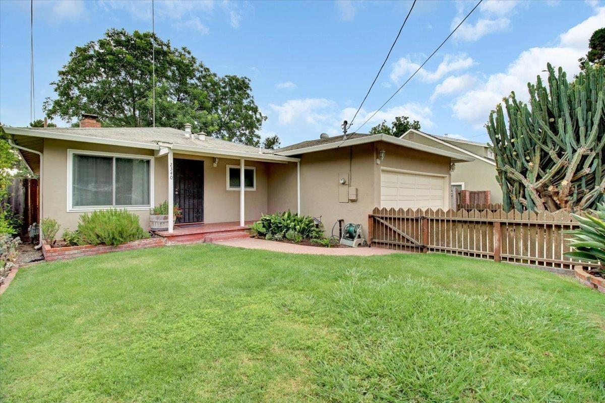 2340 Glen Way, East Palo Alto, CA 94303 - #: ML81858665