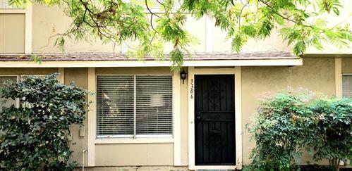 Photo of 3306 Mosscreek LN, SAN JOSE, CA 95121 (MLS # ML81814670)