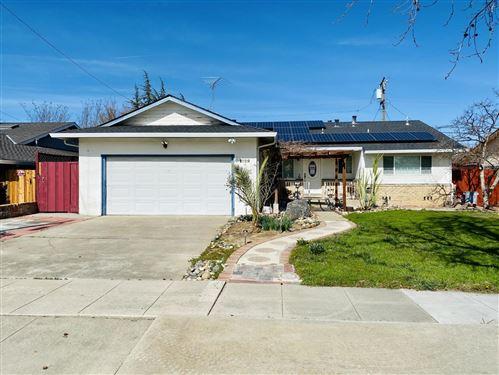 Photo of 1729 Hallmark LN, SAN JOSE, CA 95124 (MLS # ML81831670)
